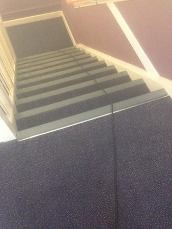 Premier Inn Hemel Hempstead Central Hotel: stairs