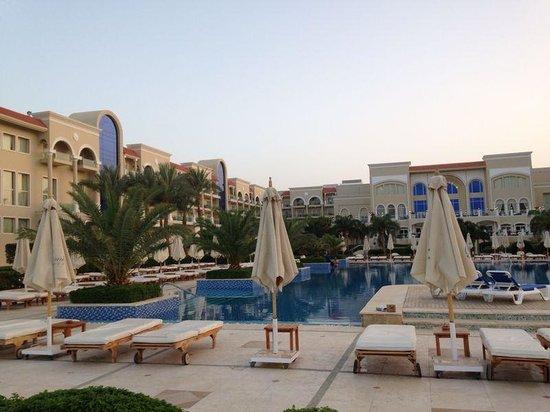 Premier Le Reve Hotel & Spa (Adults Only) : Blick vom unteren Pool