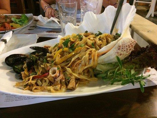 Camelot Restaurant: Паста с морепродуктами.