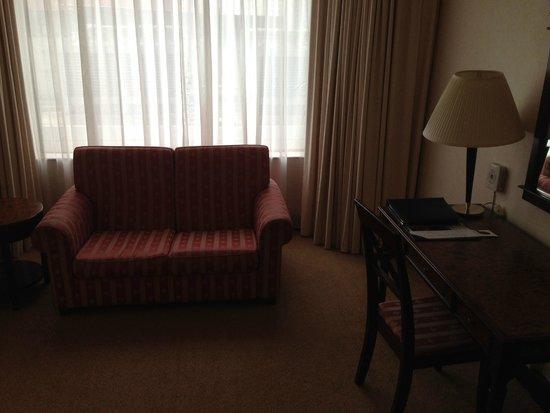Melia Kuala Lumpur: sofa