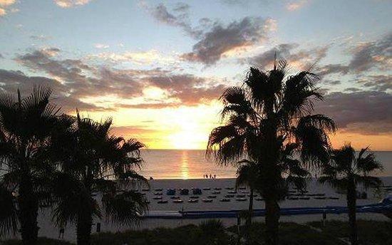 TradeWinds Island Grand Resort: Beautiful Sunset