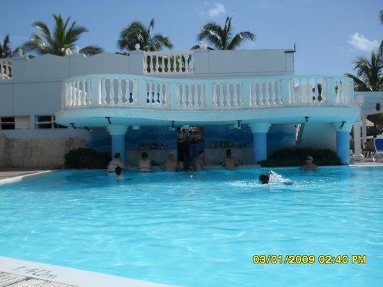 Melia Cayo Guillermo : Pool Bar