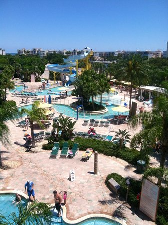 Holiday Inn Club Vacations Cape Canaveral Beach Resort: Great slide and pools with a lazy river!!