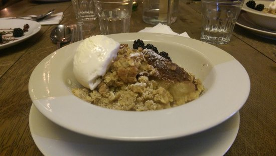 Cafe Roya: Apple Crumble