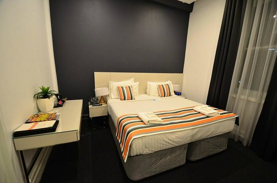 Central Station Hotel: Queen/Twin Bed Room