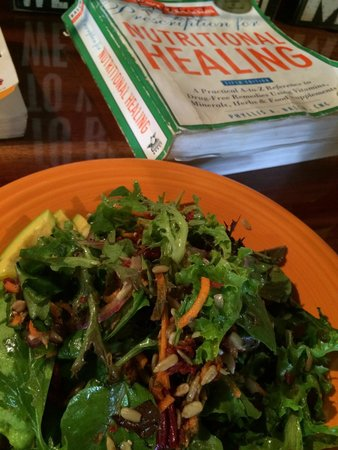 Barefoot Buddha: Chef Cory made me a special RAW salad!