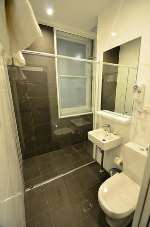 Central Station Hotel: Bathroom