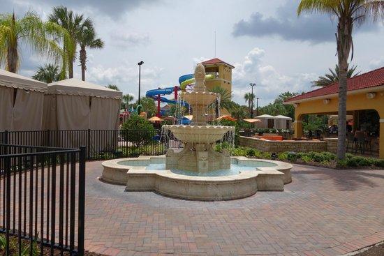 Fantasy World Club Villas: slides and fountain