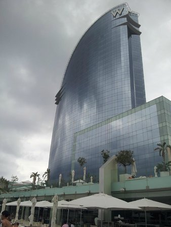 W Barcelona : Hotel building from the pool