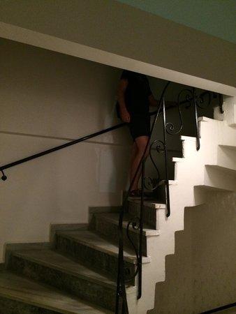 Bada Bing Hostel: Лестница на этаж