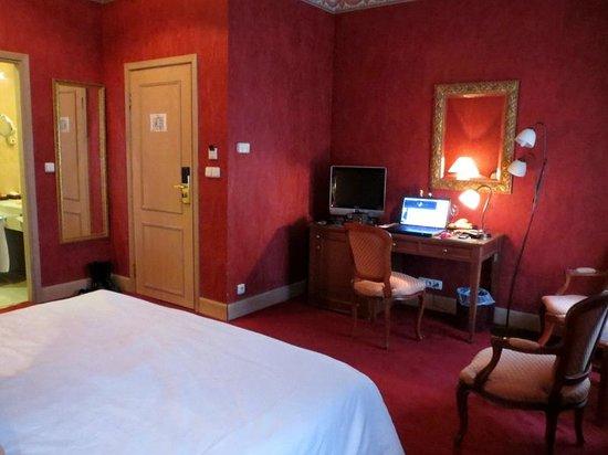 Friday Hotel Prague: Very romantic.