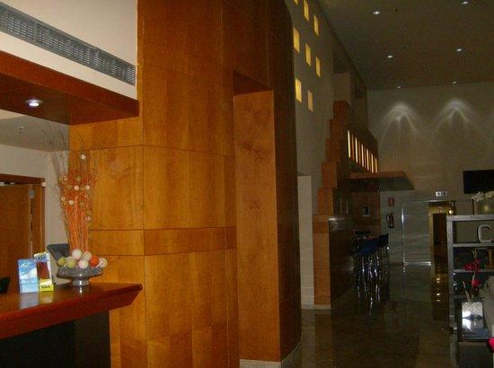 Silken Atlantida Santa Cruz: Ingresso Hotel 4 stelle