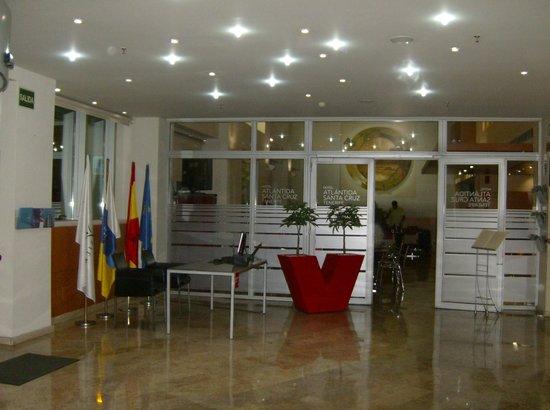Silken Atlantida Santa Cruz: Hall Hotel