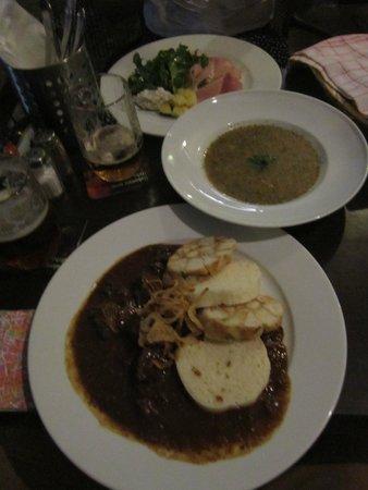 U Kroka : York, Sopa de Patata y Goulash.