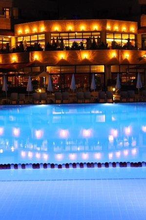 Miramare Queen Hotel: miramare beach