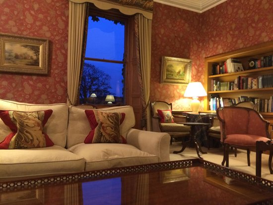 Kinloch House: Sitting area