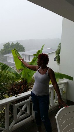 Dickenson Bay Cottages: Beautiful rainy day