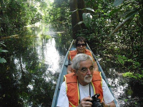 Curassow Amazon Lodge: Canoe ride for wildlife spotting.