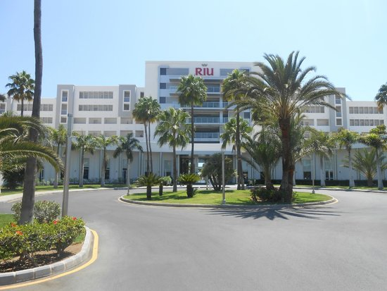 ClubHotel Riu Gran Canaria: Front view of the hotel