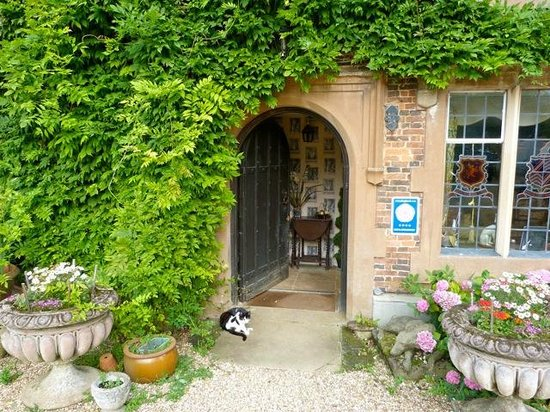 The Old Hall Bed & Breakfast: Entrance