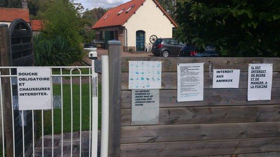 La Fermette Du Marais : Les règles à la piscine