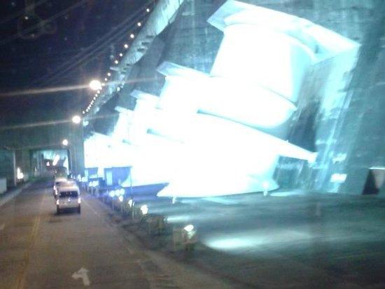 Represa hidroeléctrica de Itaipu: Itaipu - passeio noturno