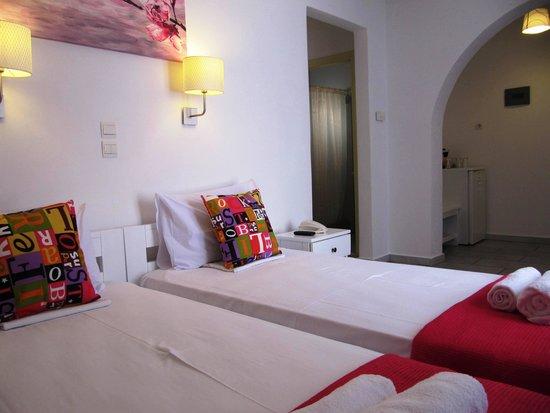 Camara Hotel: newly renovated family room