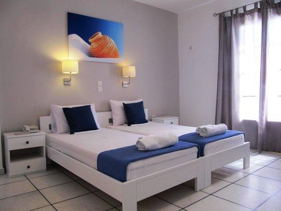 Camara Hotel: newly renovated superior twin room