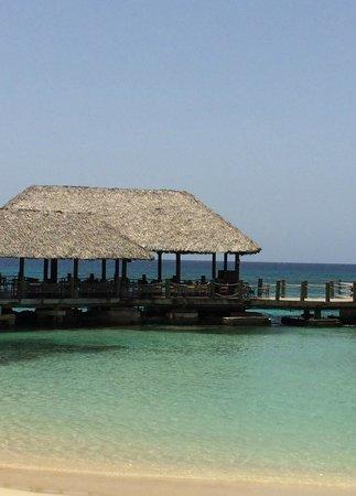 Sandals Ochi Beach Resort: Kelly's Dockside Restaurant