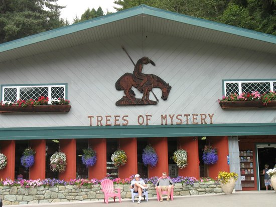 Trees of Mystery : Gift Store
