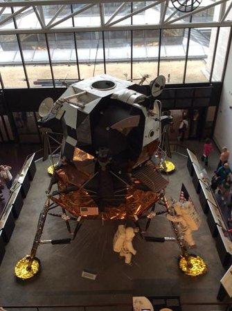 Museo Nacional del Aire y el Espacio: moon lander
