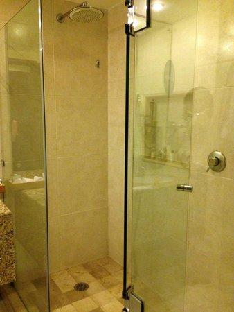 BlueBay Grand Esmeralda : New Shower/ Bldg 5