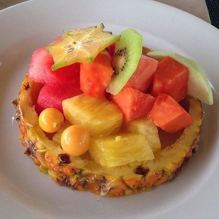 Kura Design Villas Uvita: Yummy fruit plate