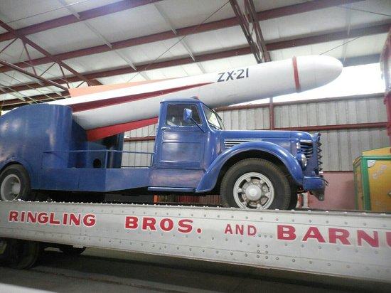 Circus World: Papa Zucchini cannon truck