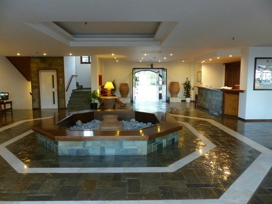 Vritomartis Naturist Resort: Lobby and reception