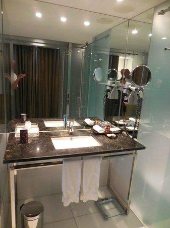 Sheraton Lisboa Hotel & Spa: wash basin