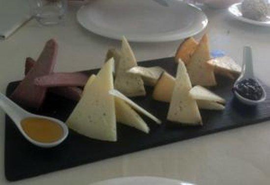 Villa Nazules Hipica Spa: tabla de quesos