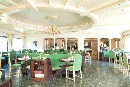 Hotel Christina: Dining Room