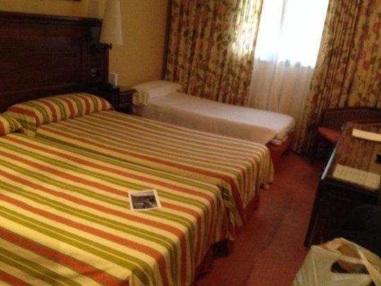 Husa Tuca Hotel: Habitacion doble+niño