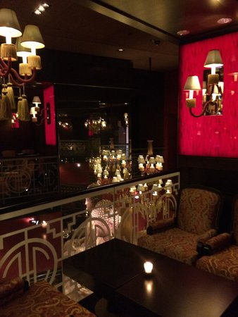 Buddha-Bar Hotel Budapest Klotild Palace: Интерьер ресторана
