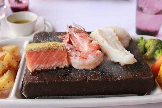 Atlantica Sensatori Resort Crete : Stone grill