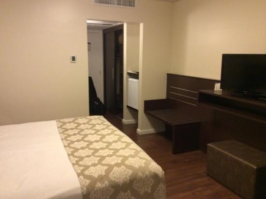 Hotel Deville Prime Porto Alegre: quarto