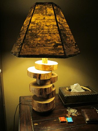 Sugar Hill Inn: Lamp in Dream Cottage