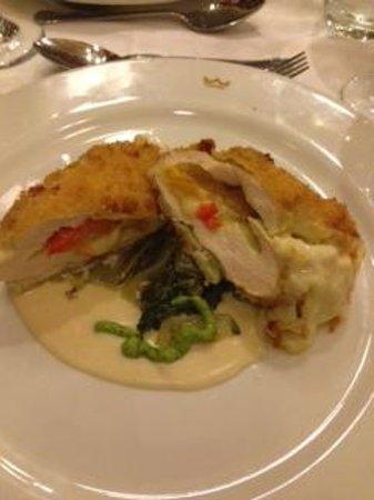 Hotel Riu Palace Aruba: Stuffed chicken at Italian place