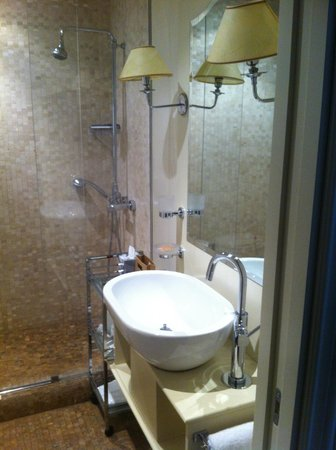 Grand Hotel Cavour : bathroom