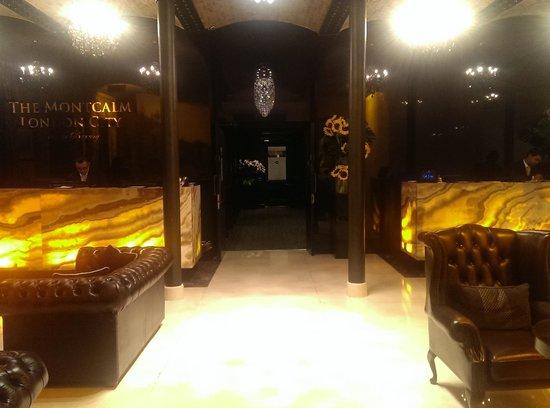 London City Suites By Montcalm : Main lobby