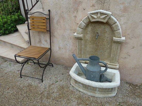 Aux oliviers de st paul saint paul de vence france voir les tarifs et avis appartement - Olivier deco jardin saint paul ...