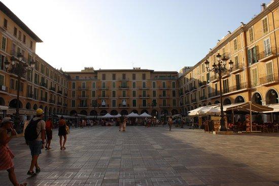 Placa Major: Piazza