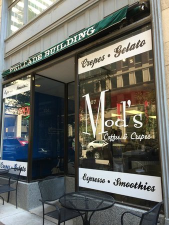 Mod's Coffee and Crepes : View of the front