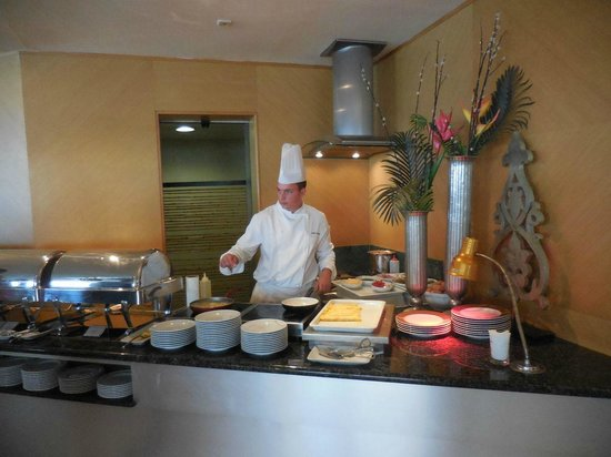 Hotel Cascais Miragem: Breakfast egg station